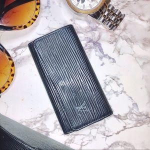 Authentic Louis Vuitton 4 Key Case Black Epi